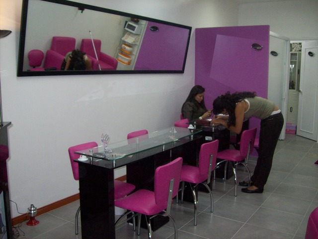 Muebles pedicure manicure 20170816155436 for Sillas para manicure y pedicure bogota