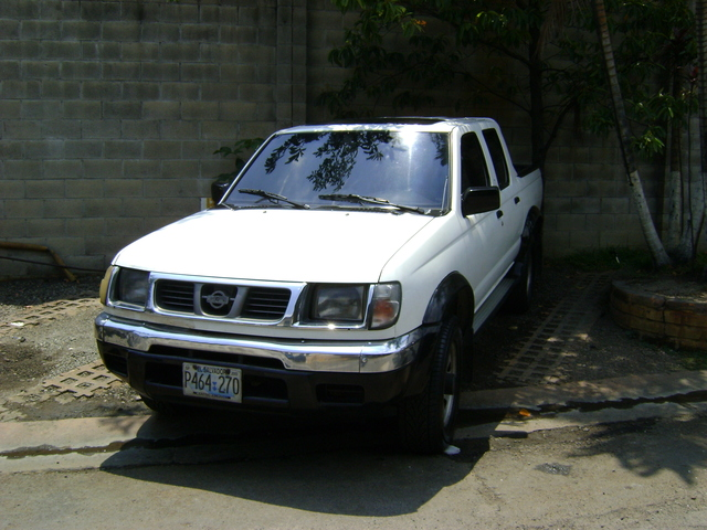 PICK UP NISSAN FRONTIER 2001 - Autos - Todo El Salvador