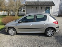 Peugeot 206  1,4 HDI X LINE  5P  Año: 2004 - Autos - Kuna
