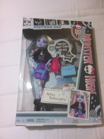OFERTA ESPECIAL - VENDO   MUÑECAS MONSTER HIGH ABBEY BOMINABLE DOLL - Regalos / Juguetes - Hawthorne