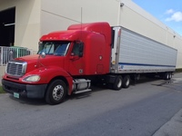 Truck and trailer Freightliner 2005  middle roof - Camiones / Industriales - Miami